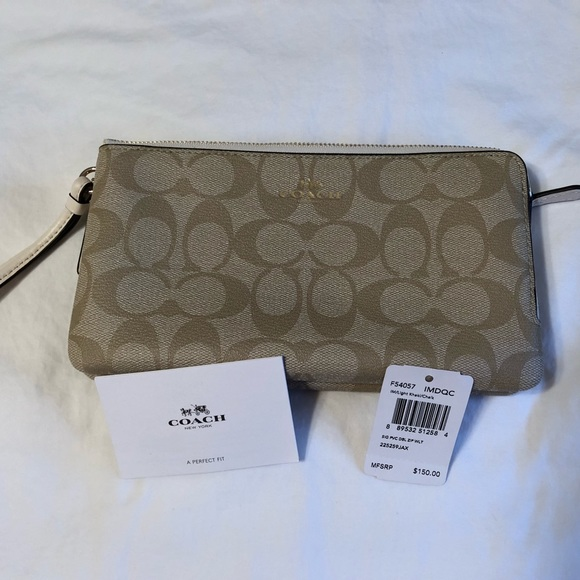 c56e40c8fe7 PRICE DROP!! NWT Authentic Coach Wrist Wallet NWT